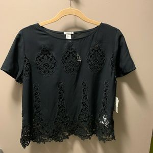 Embroidered cutout short sleeve top